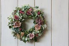 バラと紫陽花のリース - Bloomsbury