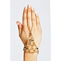 Boohoo Harriet Coin & Chain Hand Harness (500 PHP) ❤ liked on Polyvore featuring jewelry, hand harness jewelry, coin jewelry, chains jewelry and coin jewellery