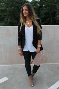 black blazer with jeans, dresses, t-shirts, shorts, EVERYTHING. Like this outfit nothing fancy but not too crazy over this handbag. Date Night Outfits, First Date Outfits, Fall Outfits, First Date Outfit Casual, Dinner Date Night Outfit, Lunch Outfit, Cute Date Outfits, Smart But Casual Outfits, Casual Drinks Outfit Night