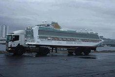 Um caminhão capaz de carregar um navio cruzeiro? Não, pera... Não é bem assim...
