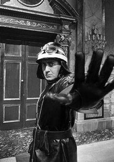 """Alberto Sordi durante il film """"Il vigile"""".  1960"""
