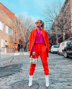 Street Style - Part 1 Milan Fashion Week Spring/Summer 2020 - FunkyForty Colorful Fashion, I Love Fashion, Pop Fashion, Autumn Fashion, Fashion Outfits, Milan Fashion, Fashion Art, Outfits Dia, Moda Pop