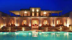 La Residence Mykonos by night