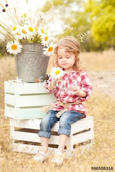 Little girl sitting on crate bunny baby first easter pictures girls photo ideas Photography Mini Sessions, Spring Photography, Photography Ideas Kids, Photo Sessions, Spring Pictures, Easter Pictures, 2 Year Pictures, Spring Pics, Kind Photo