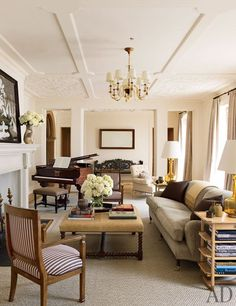 Traditional Interior Design By Ownby: 25 Traditional Living Room Design Ideas College Living Rooms, Small Living Rooms, Apartment Living, Living Area, Family Rooms, Men Apartment, Modern Living, Living Spaces, Luxury Living
