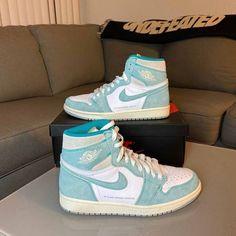Nike Shoes Air Force, Air Jordan Sneakers, Jordan Shoes Girls, Girls Shoes, Cute Sneakers, Sneakers Nike, Summer Sneakers, Black Sneakers, High Top Sneakers
