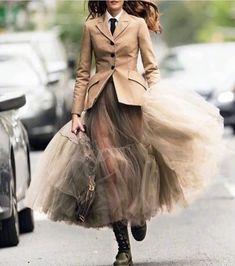 Josephine le Tutour wears a Dior Resort 2019 look designed by Maria Grazia Chiuri for the latest December issue of Elle Italia. Street Style Rock, Looks Street Style, Street Styles, Autumn Street Style, Look Fashion, Skirt Fashion, Fashion Dresses, Fashion Design, Fall Fashion