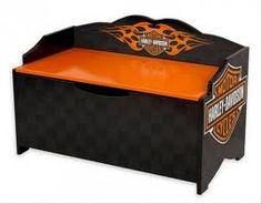 Google Image Result for http://www.onlinedecoratingideas.com/wp-content/uploads/2012/03/Harley-Davidson-Furniture-1-580x455.jpg