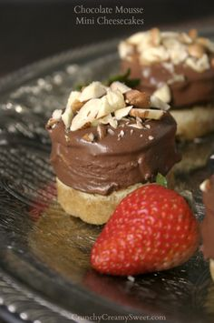 Chocolate Mousse Mini Cheesecakes | crunchycreamysweet.com