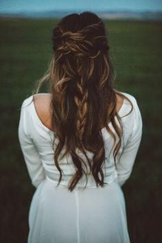 Romantic Prairie Inspiration Shoot | J.M.Hunter Photography | Bridal Musings Wedding Blog