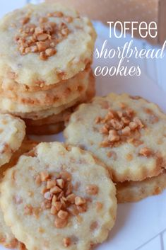 These cookies start with a standard shortbread cookie dough which has toffee bits mixed into it and scattered on top. The toffee adds the perfect crunchy, buttery compliment to the shortbread cookies Chocolate Shortbread Cookies, Toffee Cookies, Shortbread Recipes, Toffee Candy, Chocolate Cheesecake, Cupcake Recipes For Kids, Cookie Recipes, Cookie Exchange, Homemade Toffee