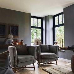 Stoel Dirkje kalkverf muren landelijk Decor, Industrial Interior, Inspiration, Chair, Furniture, Interior, New Homes, Bungalow, Home Decor