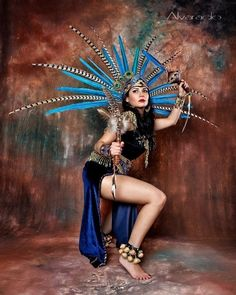 The photos published have no economic purpose but only pure passion for the works of Robert Alvarado. Native American Girls, Native American Beauty, Carnival Outfits, Carnival Costumes, Carnival Girl, Aztec Costume, Pinup, Beautiful Mexican Women, Film Science Fiction