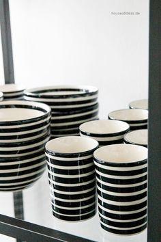 Kaffeebecher ohne Henkel Bunzlauer Keramik schwarz - HOUSE of IDEAS Orientalische Dekorationsartikel und Bunzlauer Keramik