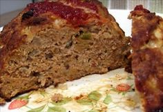 Crockpot Recipe: Turkey Meat Loaf (Low Cal) - http://www.onelittlemister.com/2012/02/crockpot-recipe-turkey-meat-loaf-low-cal.html