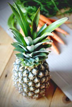 Ananasowo-marchewkowa kuracja cery pozimowa – LILINATURA Pineapple, Fruit, Diy, Food, Bricolage, Pine Apple, Essen, Do It Yourself, Meals