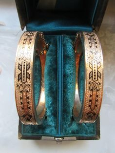 Victorian Boxed Pair of Wedding Bracelets in Gold Fill