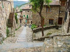 After an early start from Barcelona, you'll be in the Spanish village of Bagà by 8:30am for a quick coffee and a chance to stretch your legs. Surrounded by the rocky peaks of Cadi-Moixero National Park, Bagà boasts a beautiful medieval quarter, with a perfectly preserved market square and church.
