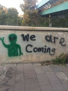 Think are they coming? Source: unknown dm for credit Alien Aesthetic, Aesthetic Photo, Aesthetic Pictures, Aesthetic Drawing, Aesthetic Art, Space Grunge, Aliens And Ufos, Cryptozoology, Photo Wall Collage