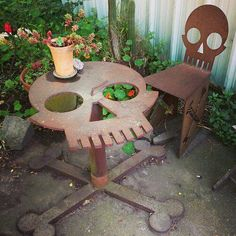skull table skull_table garden_furniture skull_and_bones chair skull_chair outdoor_furniture table_and_chair design deadhole Skull Furniture, Cool Furniture, Outdoor Furniture, Garden Furniture, Porch Furniture, Skull Decor, Skull Art, Metal Skull, Sweet Home