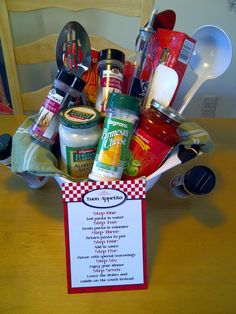 Pasta themed gift basket: colander filled w/ pastas, sauces, spices, dish towel,… – Gift Basket Ideas Theme Baskets, Themed Gift Baskets, Raffle Baskets, Diy Gift Baskets, Gift Hampers, Craft Gifts, Diy Gifts, Corporate Gift Baskets, Auction Baskets