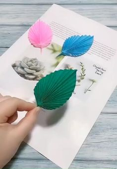 easiest way to DIY nice paper leaves Cool Paper Crafts, Paper Flowers Craft, Flower Crafts, Simple Paper Flower, Recycled Paper Crafts, Paper Flower Wreaths, Paper Flower Art, Diy Crafts Hacks, Diy Crafts For Gifts