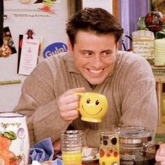 Ideas For Funny Friends Humor Joey Tribbiani Tv: Friends, Friends Cast, Friends Moments, Friends Series, Friends Tv Show, Friends Trivia, Funny Friends, Chandler Bing, Best Tv Shows