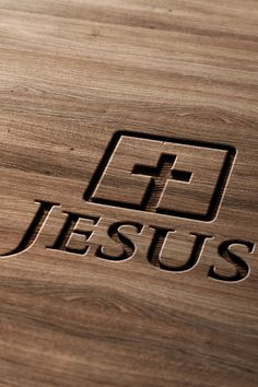 Jesus - christian iphone wallpaper / bible lock screens - get the bible lock screens app Christian Iphone Wallpaper, Iphone Wallpaper Bible, Cross Wallpaper, Jesus Wallpaper, Love Wallpaper, Apple Wallpaper, Pictures Of Jesus Christ, Jesus On The Cross, Christ Cross