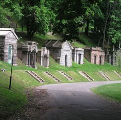 Mausoleums-at-Green-Wood - Green-Wood Cemetery - Wikipedia, the free encyclopedia