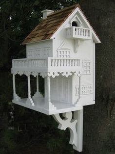 #BirdHouse #Ideas ... ideas only. I don't think most birds would like the balcony door. But if it can be done around a species needs, sure. #birdhouseideas