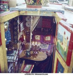 Christmas Village Fun Blog: Working the Abington Canal: Narrowboat People in a Christmas Miniature Village Display
