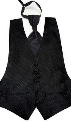 """Chaleco con Corbatín en negro , ideal para usarse con camisa de """"cuello de paloma"""" recomendada para novios."""