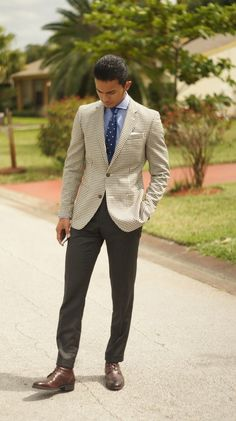 Teaching men's fashion · cuffed pants or straight leg? what type of guy are you? read our article Fashion Images, Men's Fashion, High Fashion, Preppy Outfits, Summer Outfits, Teaching Mens Fashion, Winter Teacher Outfits, Summer Sweaters, Medical