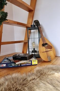 #woodhouseparadohuta #ereiszállás #faház #mandolin Body M, Mandolin, House In The Woods, 2 Colours, Home Appliances, House Appliances, Appliances