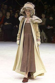 Yohji Yamamoto Fall 2000 Ready-to-Wear Fashion Show - Yohji Yamamoto