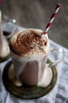 SPICY HOT CHOCOLATE with BAILEYS, CARDAMOM & CINNAMON [madebymary]