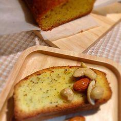 夜中に焼いた紅茶のケーキ。 食べごろになったナッツを一緒に! - 55件のもぐもぐ - 紅茶のケーキにナッツのハチミツ漬けをそえて…。 by tomominakaVlt