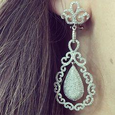 #OMG! Absolutely gorgeous drop earrings! Just in!  #gold #diamonds #drop #earrings #stunning http://ift.tt/1lMdleU