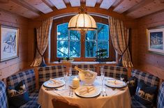 Restaurant - Ferienanlage Altachhof Saalbach Gaudi, Restaurant, Winter Holidays, Table Settings, House, Hotels, Home Decor, Blacksmith Shop, Winter Vacations