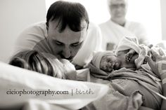 i love birth photography. amazing moments captured for a LIFETIME! Birth Photos, Baby Photos, Couple Photos, Boudoir Photographer, Family Photographer, Picture Poses, Picture Ideas, Photo Ideas, Creative Pregnancy Announcement