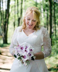 #weddingportrait #czechrepublic #ceskasvatba #ceskarepublika #bride #bridal #weddingflowers #svatebnikytice #portraitphotographer #portret #brno #czech #czechphotography #nevesta #svatebnifotograf #svatba #svatebni #wedding #makeup @martina_styling