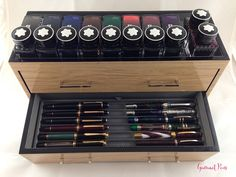 Pelikan Fountain Pen, Fountain Pen Nibs, Pen Design, Wolf Design, Calligraphy Supplies, Pen Storage, Pen Collection, Pens And Pencils, Best Pens