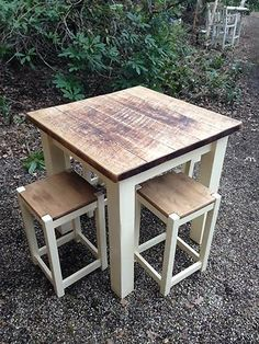 Hand Made Bespoke Wooden Kitchen Breakfast Bar / Table With 4 Solid Wood Stools