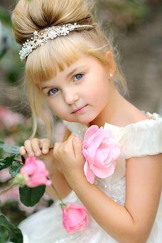 Superb Wedding Flower And Girls On Pinterest Short Hairstyles Gunalazisus