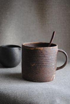 mug林拓児「化粧焼き締めマグカップ(細)」の詳細ページです。#earthen