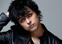 Billie Joe Armstrong and his sexy smoky-eye look.