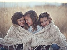 Cute sibling pose idea