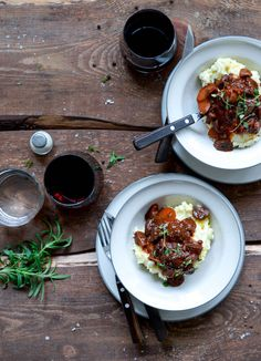 Try this Svampe Bourguignon med rodfrugt mos recipe, or contribute your own. Vegan Vegetarian, Vegetarian Recipes, Vegan Food, Veggie Recipes, Dinner Recipes, Gluten Free Dinner, Beef, Cooking, Ethnic Recipes
