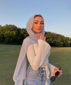 Stylish Hijab, Modest Fashion Hijab, Modest Outfits, Modest Wear, Trendy Outfits, Fashion Outfits, Couple Outfits, Muslim Women Fashion, Hijabi Girl