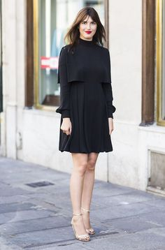 A simple black dress can go a long way, Jeanne Damas will look amazing in anything of course but maybe it's also the golden sandalled heels and the bright red lipstick that make the difference here. Jeanne Damas, Stylish Girl, Stylish Outfits, Trendy Dresses, Fashion Dresses, Look Girl, Girl Style, Looks Street Style, Looks Chic